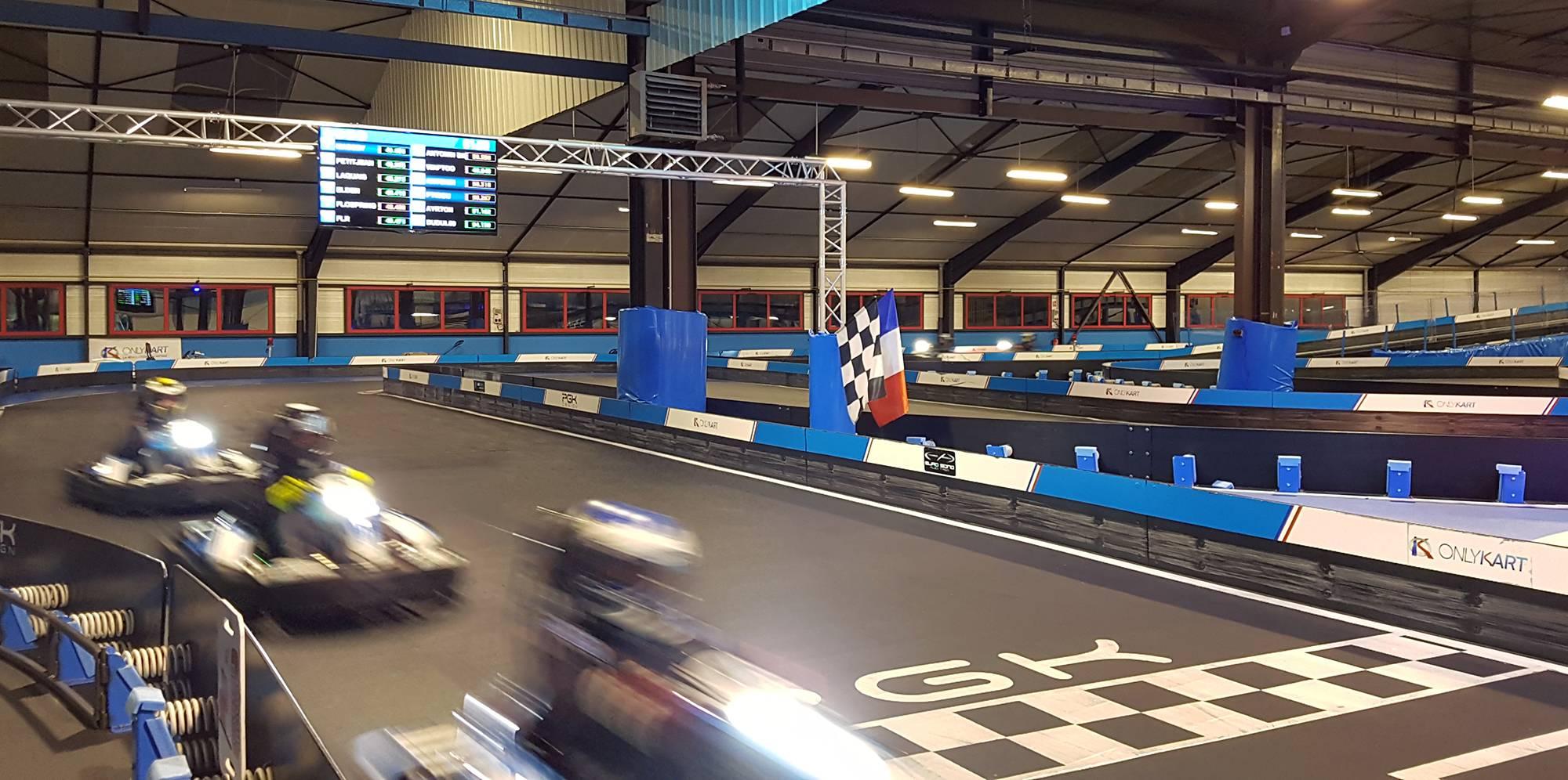 pilotez sur notre piste de karting dans le sens inverse