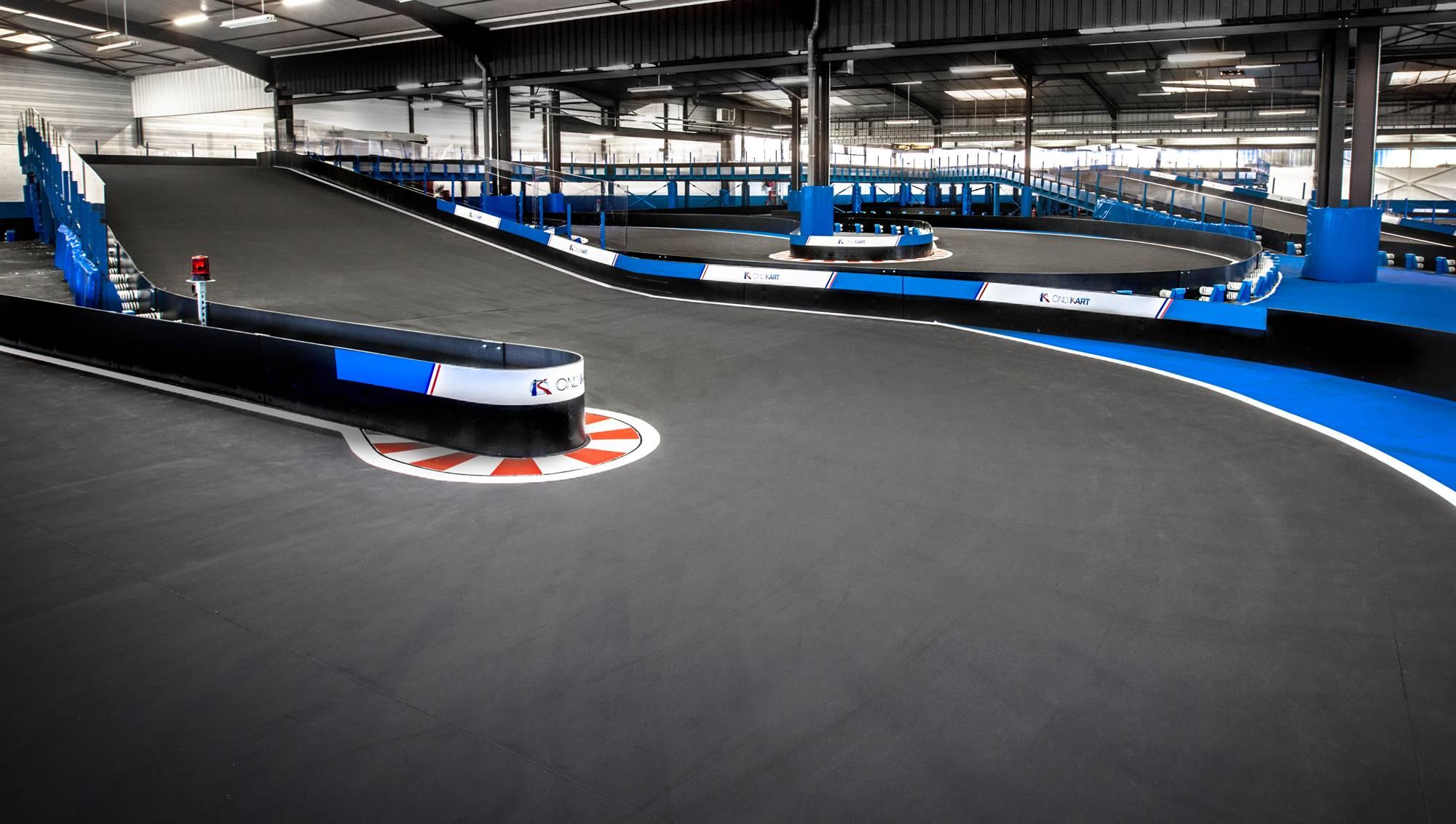 karting indoor à lyon avec piste multi-niveaux